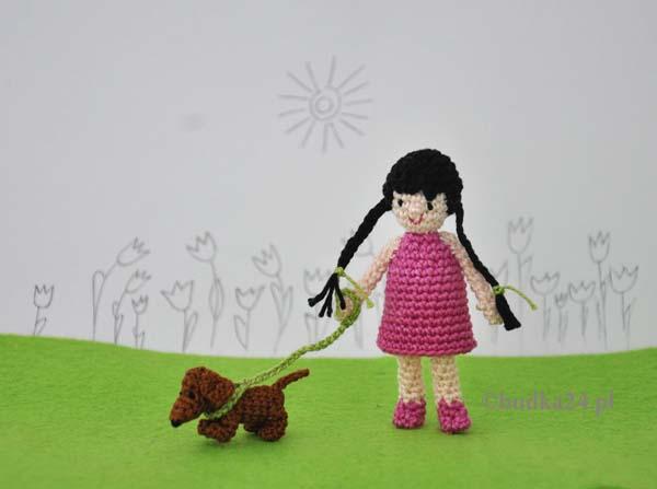 Dziewczynka z pieskiem